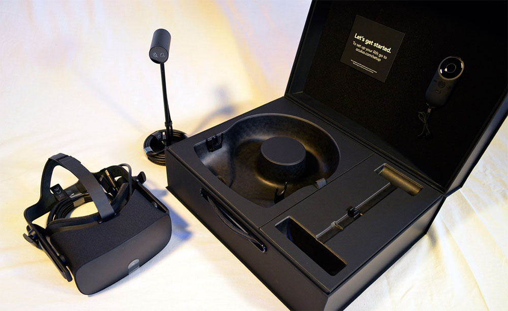 Oculus Rift with packaging